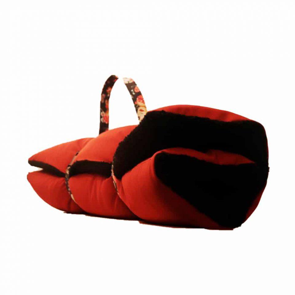 cama-roja-borreguillo-negro-02